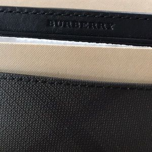 Other - Burberry money clip
